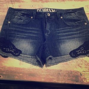 Jean shorts size 13/31 with lace